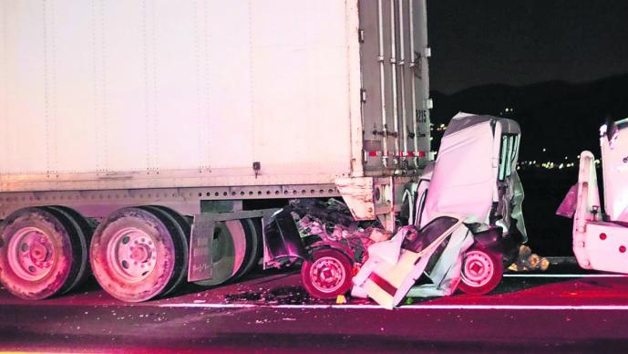Carambola en la autopista Libramiento Bicentenario deja dos personas muertas y una herida