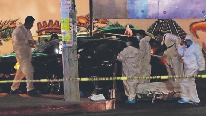 Dueño de lote de autos es acribillado dentro de su auto por delincuentes en Morelos