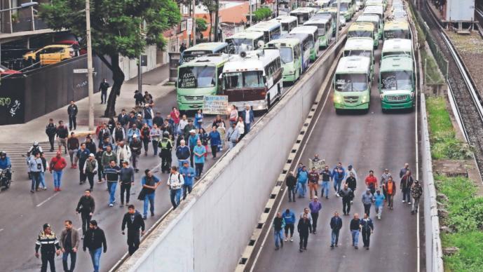 Gobierno de la CDMX invertirá mil millones de pesos en transporte público