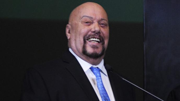 Perro Bermúdez intercambia ofensas con aficionado de Chivas