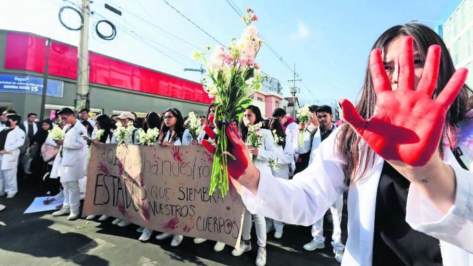 Universitarios exigen seguridad en calles de Puebla, tras asesinato de alumnos de la BUAP