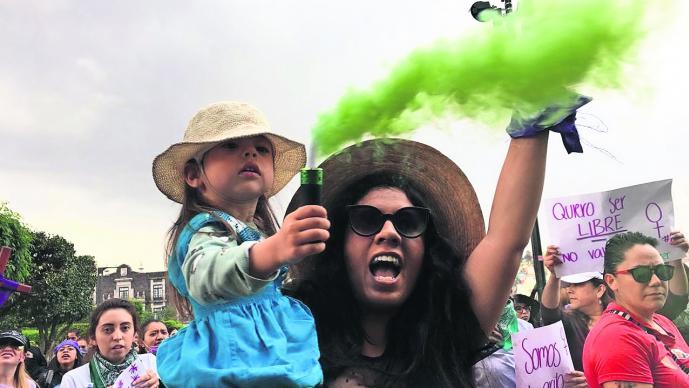 Más de 5 mil mujeres mexiquenses se manifestaron en el Día Internacional de la Mujer