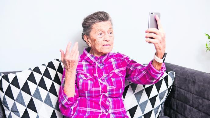 No aisles en la soledad a los adultos mayores