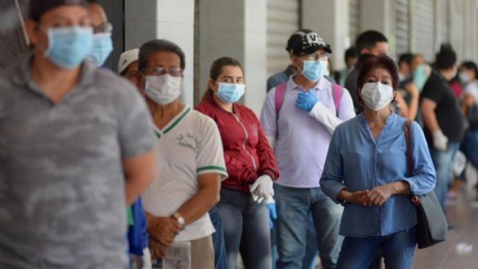 Crisis en Ecuador por expansión del coronavirus; cadáveres son colocados en las calles