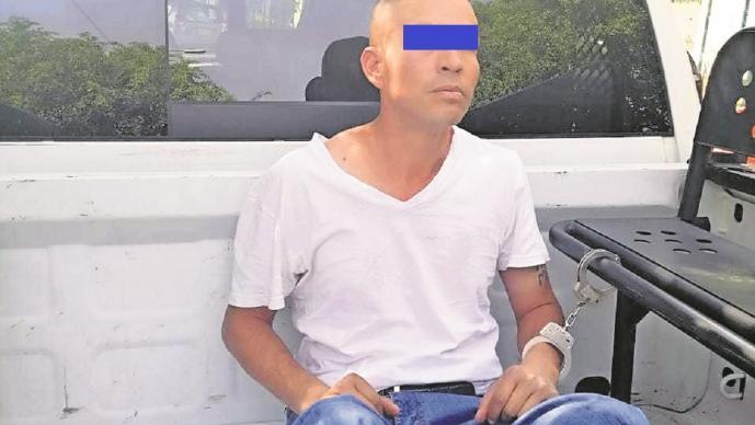 Pierde riña a golpes, regresa con un revólver y dispara a policía, en Iztapalapa