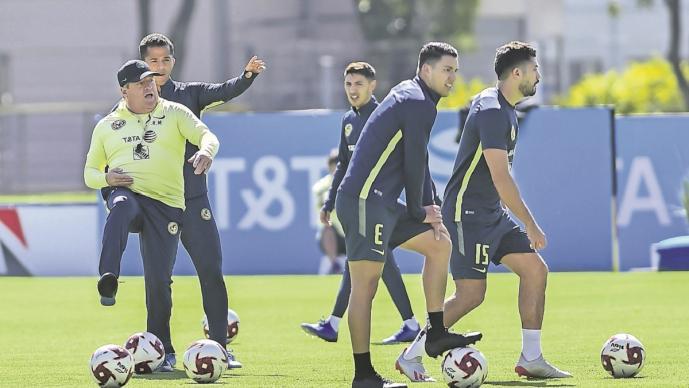 Miguel Herrera quiere llegar a ser el Alex Ferguson del América y convertirse en técnico histórico