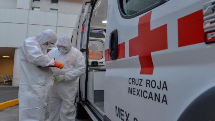 Paramédicos de la Cruz Roja del Edomex son agredidos por familiares de víctima de Covid-19