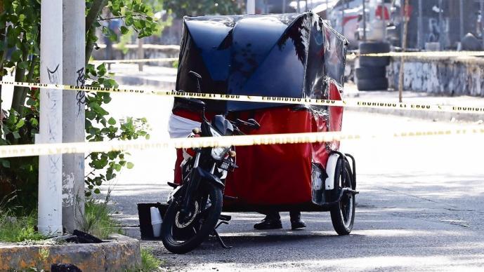 Enemistad entre familia de mototaxistas termina en asesinato de joven, en Edomex