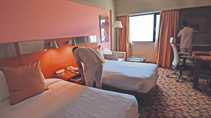 Hoteles de lujo se transforman en hospitales para pacientes de Covid-19, en Nueva Delhi