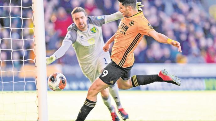 Manchester United estaría dispuesto a pagar 100 millones de euros por Raúl Jiménez