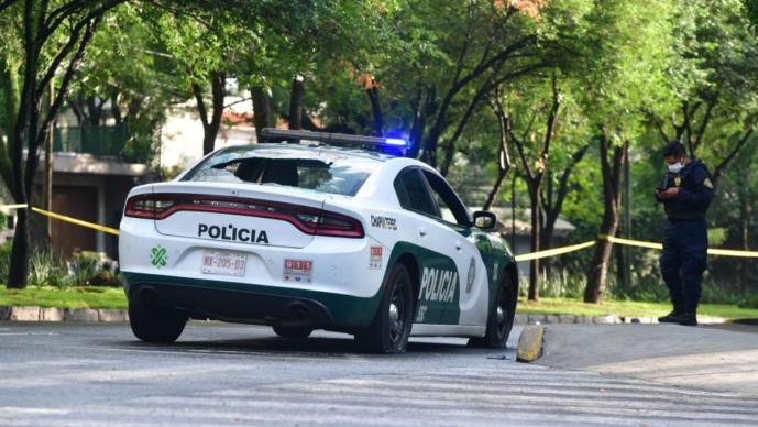 Tío de la mujer que murió en atentado vs Harfuch exige dos millones de pesos, en CDMX