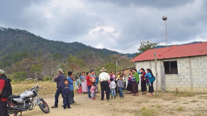 Pobladores en Juchitán imploran ayuda tras muertes por causas desconocidas, en Oaxaca
