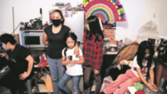 Entierran a media familia en pueblo de Xochimilco por Covid-19, no creían en el virus