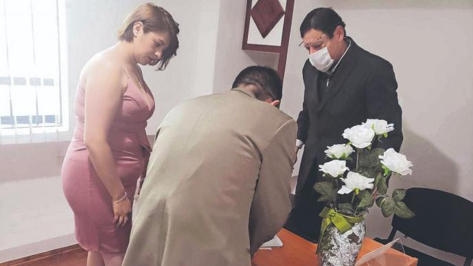 Pese a la pandemia del Covid-19, se celebran 3 mil bodas en el Edomex