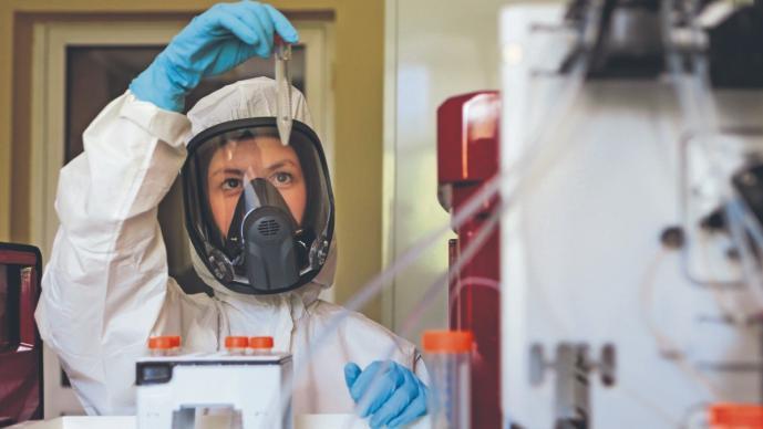 Vacuna contra el Covid-19 de Rusia está hecha con otro virus, estiman fechas para probarla