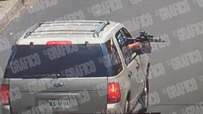 VIDEO: Así acribillaron a grupo de hombres con arma larga de mira telescópica, Iztapalapa