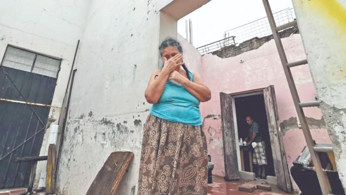 A tres años del sismo que destruyó su casa en Oaxaca, Angélica Ferra aún vive en ruinas