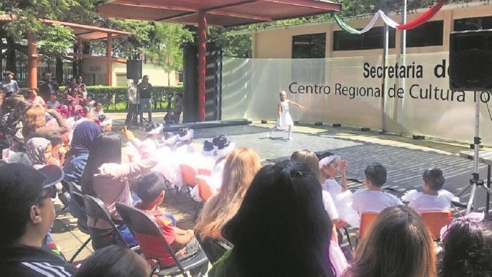 Desmantelan Centro Regional de Cultura en el Edomex, profesores exigen una explicación