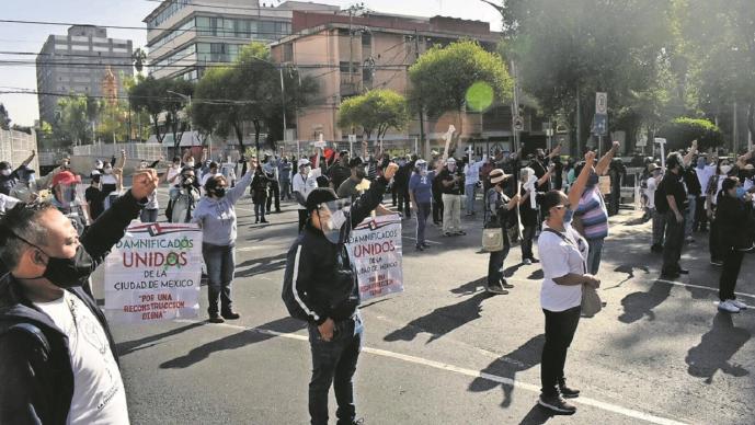 Damnificados del 19-S denuncian entrega de viviendas con fallas de construcción en la CDMX
