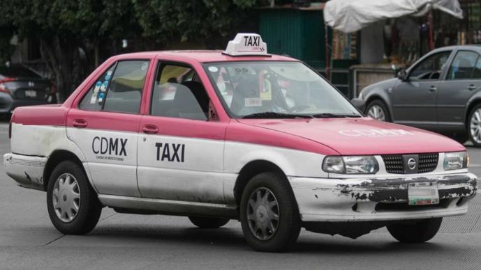 Disparan a taxista para robarle su automóvil en Iztapalapa