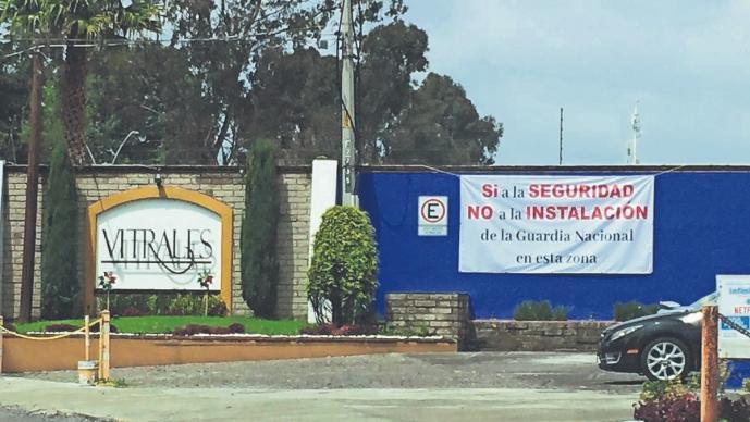 Vecinos protestan por la construcción de un cuartel de la Guardia Nacional, en Metepec