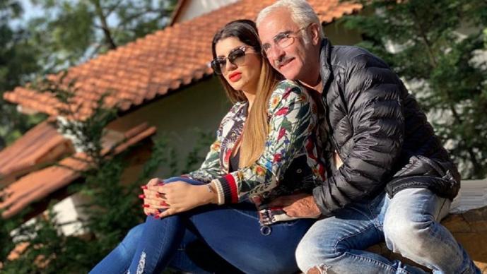 Vicente Fernández Jr. presenta a su suegra y le dicen que se ve mejor con ella