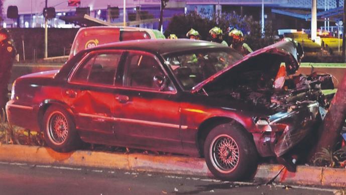 Pareja libra accidente en CDMX, pero él muere atropellado cuando esperaban al seguro