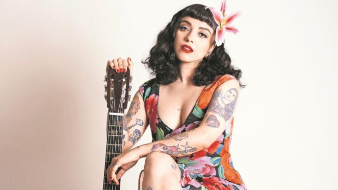 Mon Laferte prepara show por streaming y un disco de folclore mexicano
