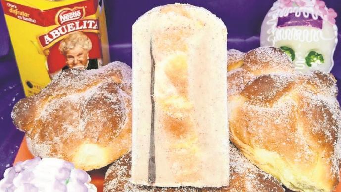 'Muertaleta' en Edomex combina el pan de muerto y el chocolate, platicamos con su creador
