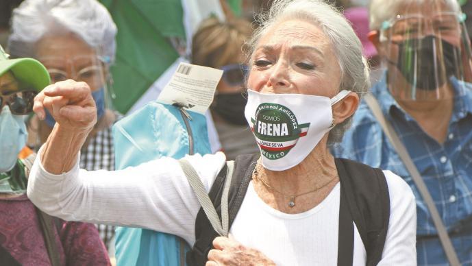López Obrador niega que su gobierno espíe a opositores