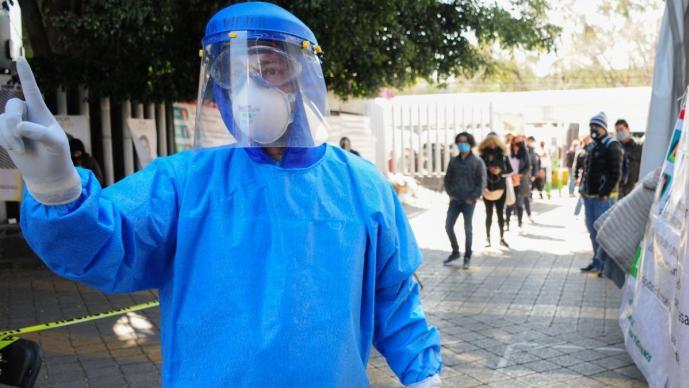 CDMX en 'alerta límite' del semáforo epidemiológico por Covid, permanecerá en naranja