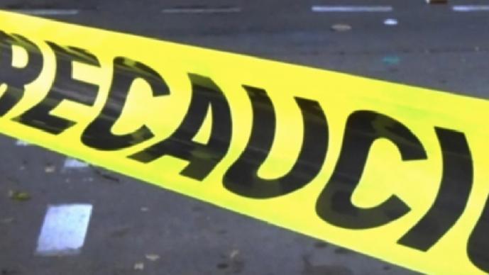 Hombre muere atropellado en Morelos, pero automovilistas le pasaron hasta destrozarlo