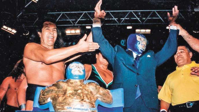 Trofeo 'Leyenda Azul' en honor a Blue Demon cumple 20 años, busca ganador en Arena México