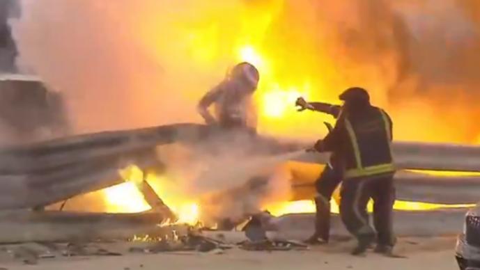Milagro en el GP de Bahrein, el auto de Romain Grosjean ardió en llamas y sobrevivió