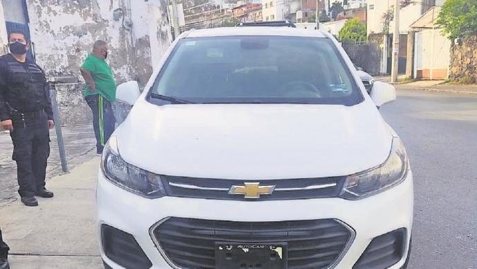 Detienen a policía vial por robo de camioneta en Morelos, autoridad determina pleito familiar