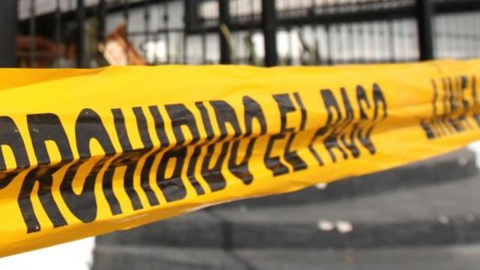 Vecinos se topan con un cadáver abandonado en la carretera, en Morelos