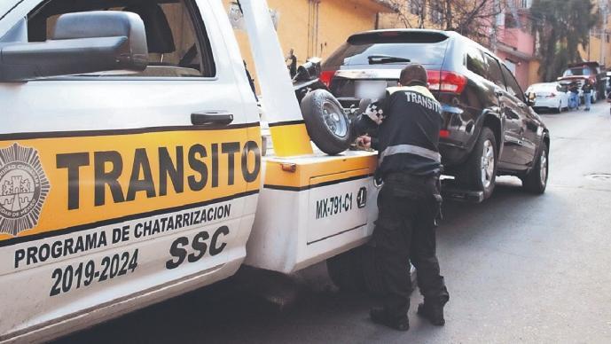 Aseguran tres vehículos ligados al asesinato de dueño de un gym, en la Ciudad de México