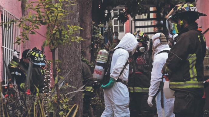 Olor fétido dentro de vivienda delata muerte de 2 abuelitos en CDMX, indagan si fue Covid