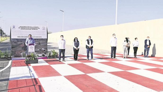Cuauhtémoc Blanco inaugura rampa de frenado en Atlatlahucan, Morelos