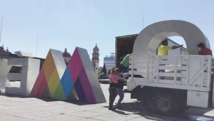 Gobierno del Edomex retira las letras de la Plaza de los Mártires para evitar vandalismo