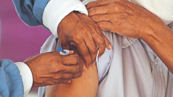 Abuelitos recibirán vacuna antiCovid de una sola dosis, en cinco municipios de Morelos