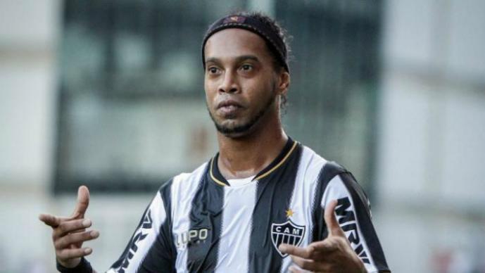 Ronaldinho, nuevo jugador del Querétaro