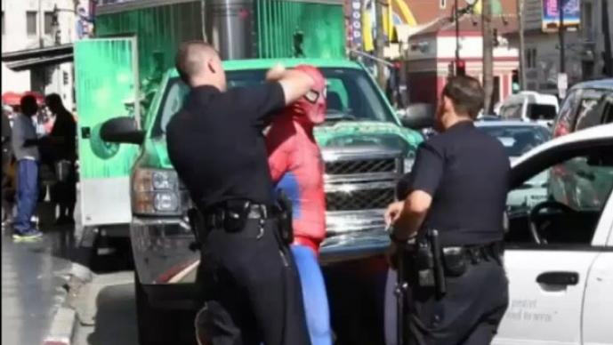 Spiderman es arrestado
