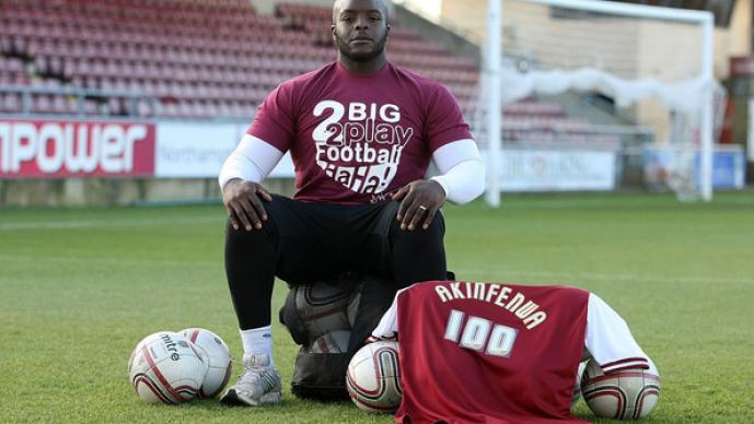 Adebayo Akinfenwa, el futbolista más pesado del mundo