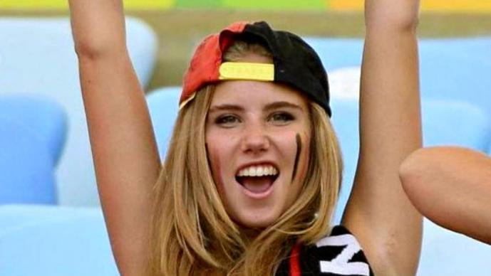 Adolescente pasó de aficionada a modelo gracias al mundial | FOTOS