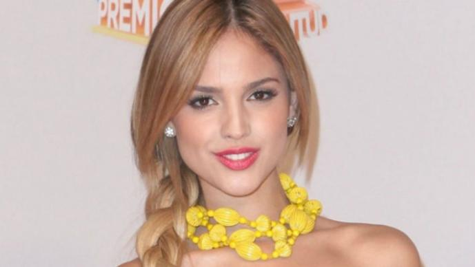 Eiza González seduce con video en bikini