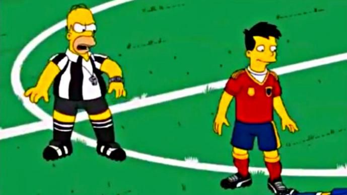 Homero Simpson debuta como árbitro de futbol | VIDEO