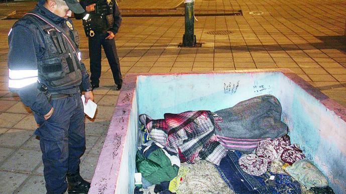 Dejan morir a indigente (Foto: El Gráfico)
