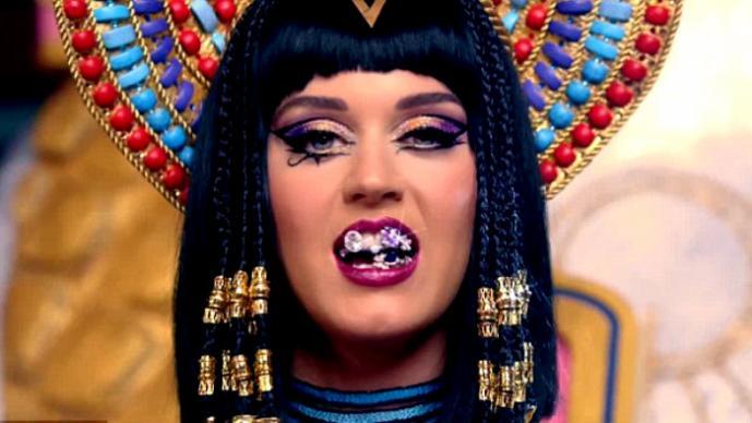 """Vetan video de Katy Perry en países musulmanes """"por blasfemo"""""""