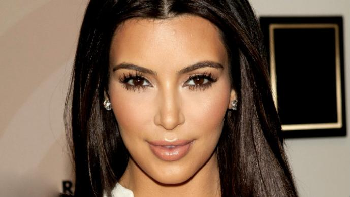 Kim Kardashian hace vomitar a un joven del miedo